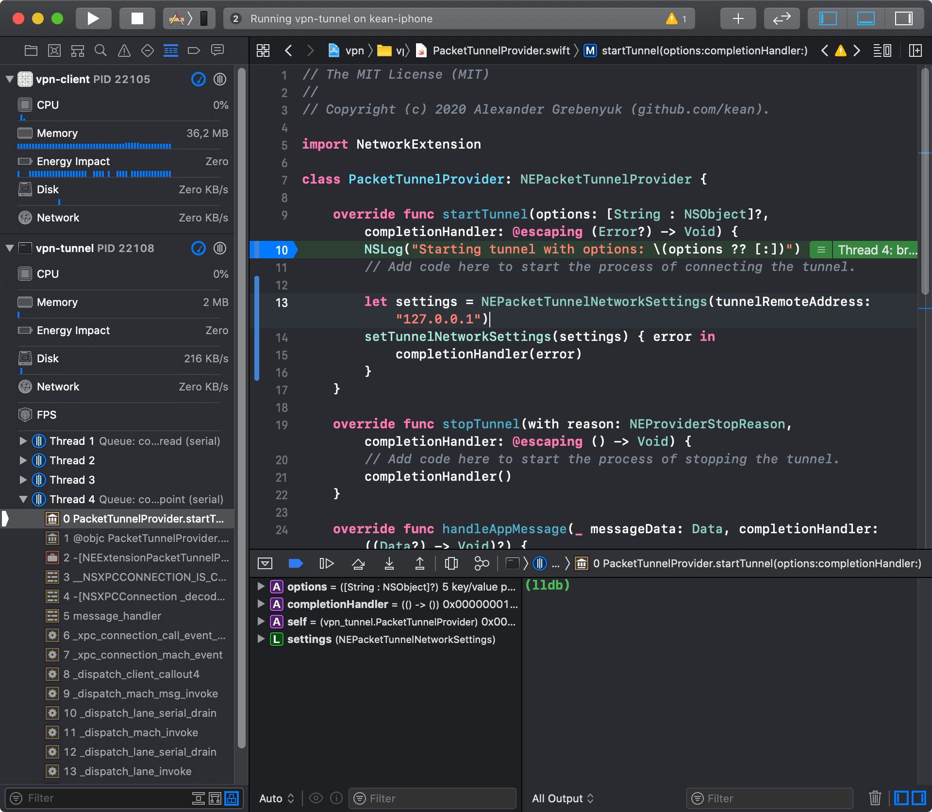 Xcode: debugging multiple processes at the same time